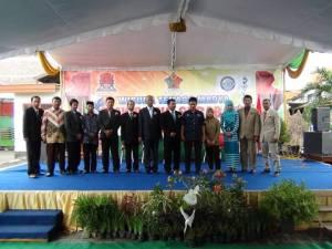 Foto Bapak Guru dengan Pimpinan DU/DI