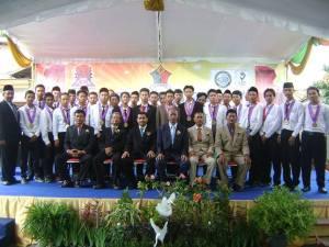 Wisudawan/ti SMK SIANG Surabaya Jurusan TKR-3 tahun 2013