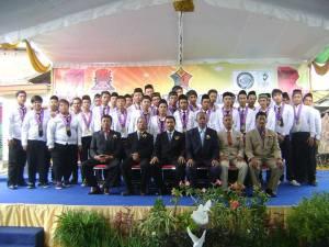 Wisudawan/ti SMK SIANG Surabaya Jurusan TKR-4 tahun 2013