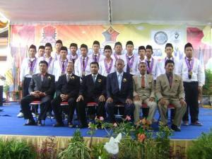 Wisudawan/ti SMK SIANG Surabaya Jurusan TKR-1 tahun 2013